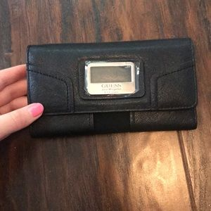 BOGO 1/2 OFF NWOT Guess wallet